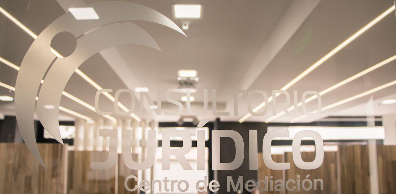 https://consultoriojuridico.uazuay.edu.ec/sites/consultoriojuridico.uazuay.edu.ec/files/public/revslider/image/uazuay-consultorio-juridico-banner2.jpg